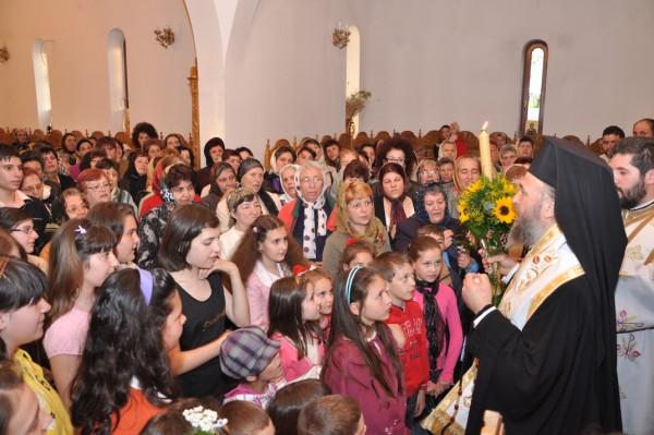 """1 mai 2010: Vecernie la biserica ,,Sf. Ierarh Atanasie"""" din Galaţi"""