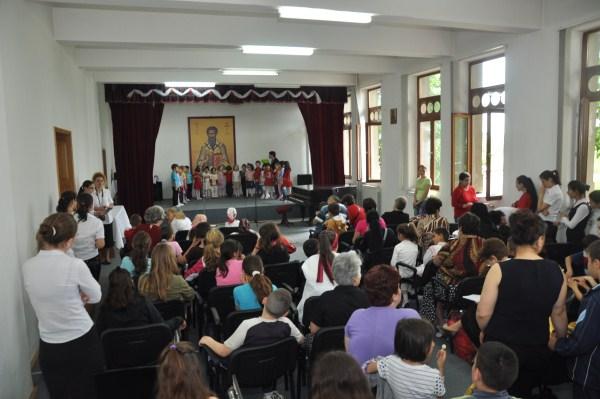 """Duminica Părinţilor şi Copiilor la Aşezământul filantropic ,,Sf. Vasile cel Mare"""" din Galaţi"""