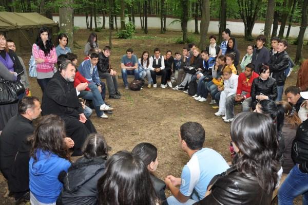 Dialog cu tinerii despre Crez