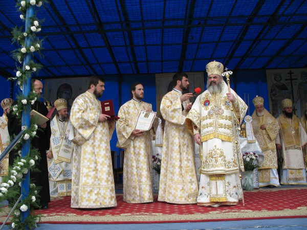 Sfânta Liturghie la hramul Catedralei Patriarhale din Bucureşti