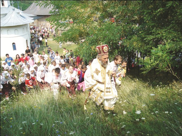 Hramul Mănăstirii Cârlomăneşti