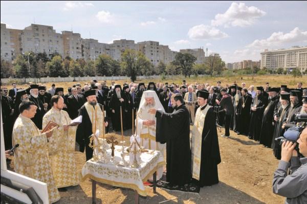 3 septembrie 2010: Binecuvântarea lucrărilor de construcţie a Catedralei