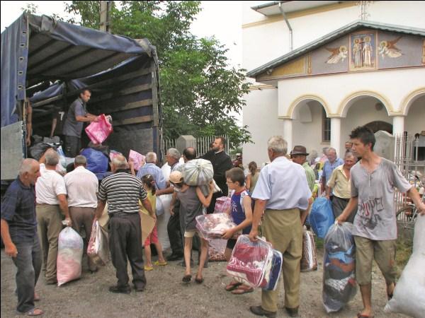 Ajutoare pentru cei sinistraţi colectate în Parohia Pechea II, judeţul Galaţi