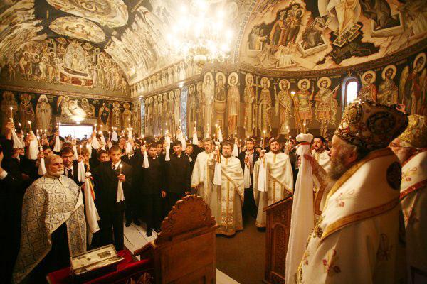 Biserica Seminarului Teologic din Galaţi în veşmânt nou de pictură