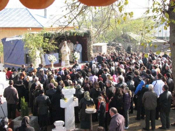 Sfânta Liturghie după târnosirea sfântului lăcaş