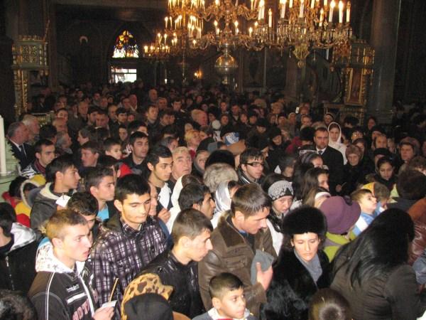 Pelerini la sărbătoarea Sfântului Nicolae
