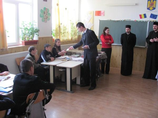 Seminariştii gălăţeni în vizită la şcolile din comuna Pechea