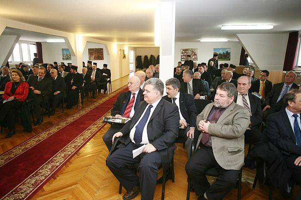 Participanţii la lucrările Adunării Eparhiale