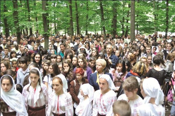 Pelerini la hramul mănăstirii