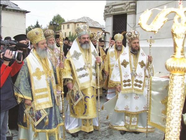 17 octombrie 2006 - Preafericitul Părinte Patriarh Daniel la slujba de resfinţire a Catedralei din Galaţi