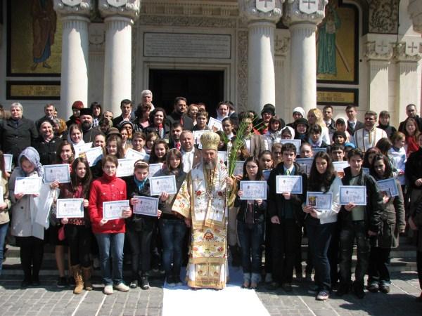 Chiriarhul Dunării de Jos în mijlocul tinerilor olimpici la disciplina Religie