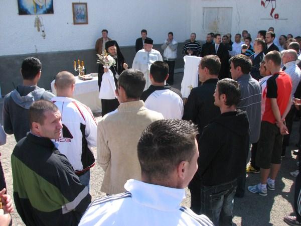 Vizită chiriarhală de Sfintele Paşti la Penitenciarul din Galaţi