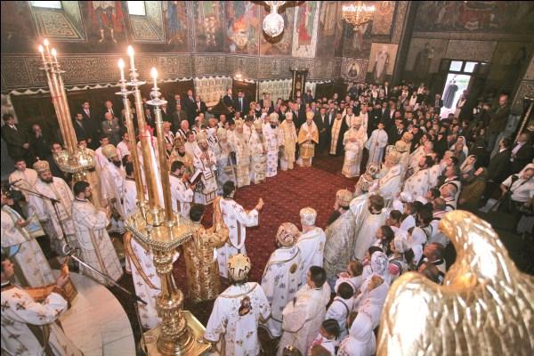 27 septembrie 2009 - Sfânta Liturghie în Catedrala din Galaţi prilejuită de ridicarea Eparhiei Dunării de Jos la rang de Arhiepiscopie