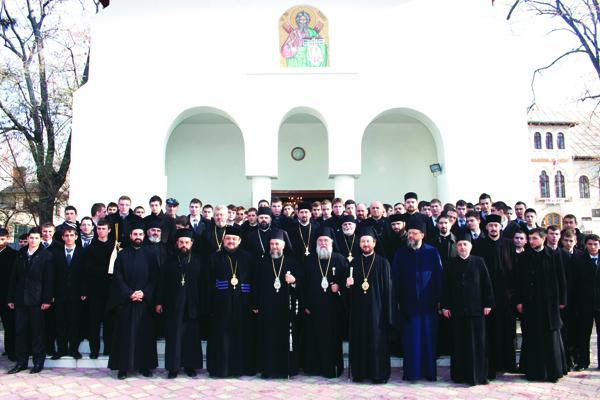 """Oaspeţi de seamă la Seminarul Teologic ,,Sfântului Apostol Andrei"""" din Galaţi"""