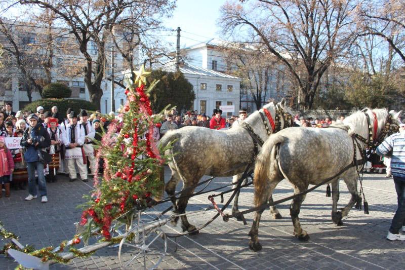 Tradiţionala  întâlnire  a colindătorilor  de  Crăciun,  la  Catedrala  Arhiepiscopală  din  Galaţi