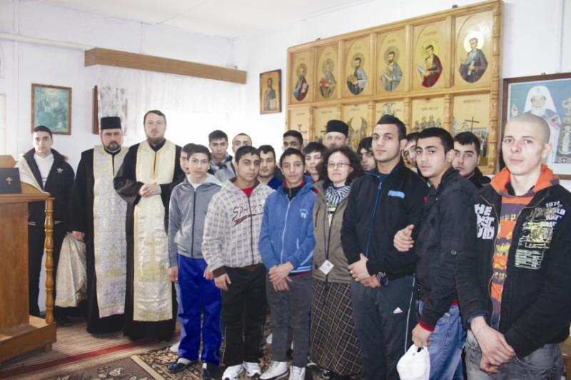 Program filantropic la Penitenciarul  de Tineri şi Minori - Tichileşti, jud. Brăila