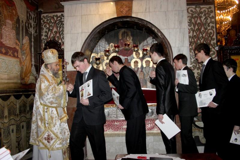 """27 ianuarie 2013: Binecuvântare pentru tinerii seminarişti şi studenţi teologi, la finalul Concursului Naţional ,,Părintele Dumitru Stăniloae"""", faza eparhială"""