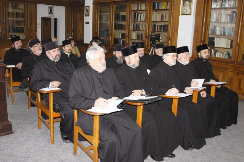 Aspect  de la întrunirea membrilor Adunării Generale a  C.A.R.-cler din cadrul Arhiepiscopiei Dunării de Jos