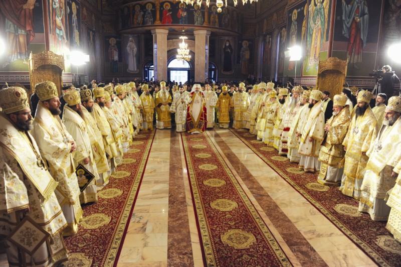 Preafericitul Părinte Patriarh Daniel, alături de soborul ierarhilor slujitori la Sfânta Liturghie