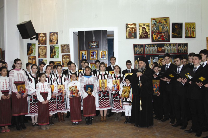 Vernisarea expoziţiei de icoane ale tinerilor, la Palatul Episcopal din Galaţi