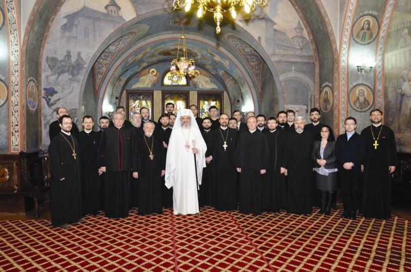 Preafericitul Părinte Patriarh Daniel în mijlocul consilierilor sectoarelor social-filantropice ale eparhiilor din ţară