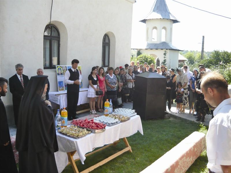 Chiriarhul Dunării de Jos prezent la biserica parohiei Corod IV, în Duminica Migranţilor Români