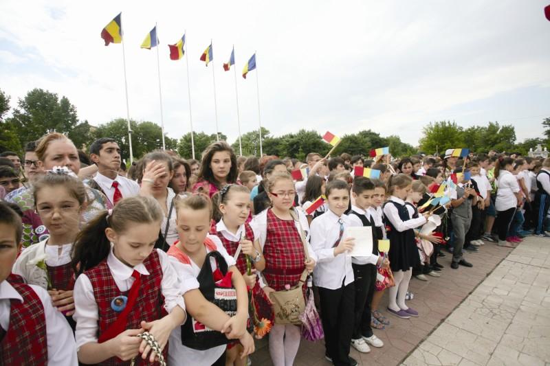 Tineri participanţi la momentul comemorativ