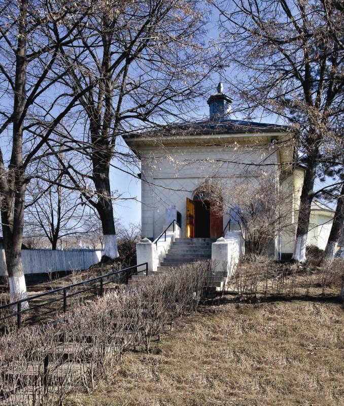 Vedere exterioară a bisericii