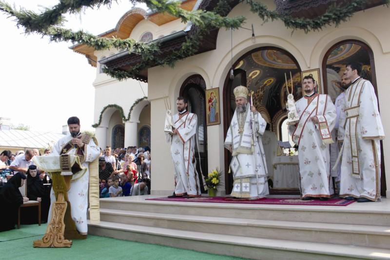 15 august 2013: Hramul mănăstirii din localitatea gălăţeană Tudor Vladimirescu