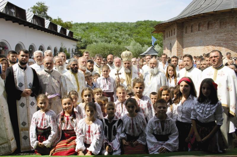 16 august 2013: Zi de hram, la Cârlomăneşti