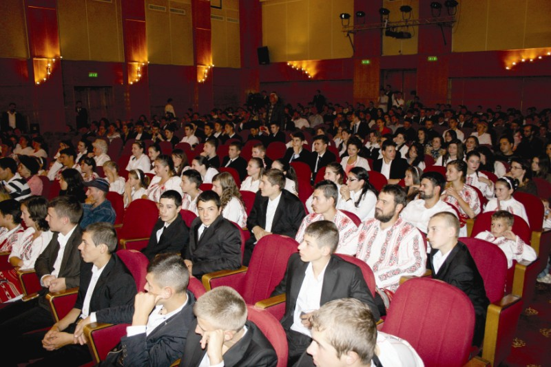 Publicul iubitor de muzică bizantină, prezent la concurs