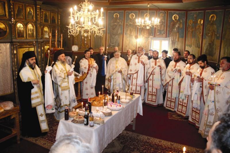 5 octombrie 2013: Slujba Parastasului de 40 de zile a binecredincioasei Rada Crăciun, în biserica veche din Lopătari