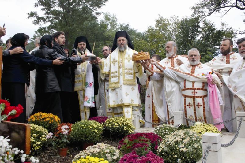 Pomenirea de 40 de zile la mormântul binecredincioasei Rada Crăciun