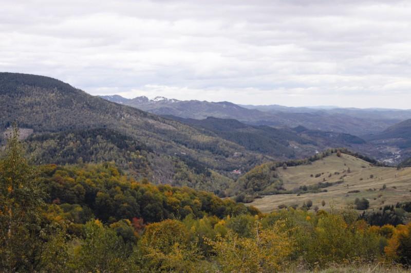 Munţii Buzăului - vatra satului Lopătari