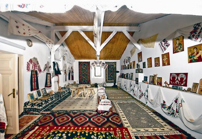 Muzeul tradiţional din Reşedinţa arhiepiscopală