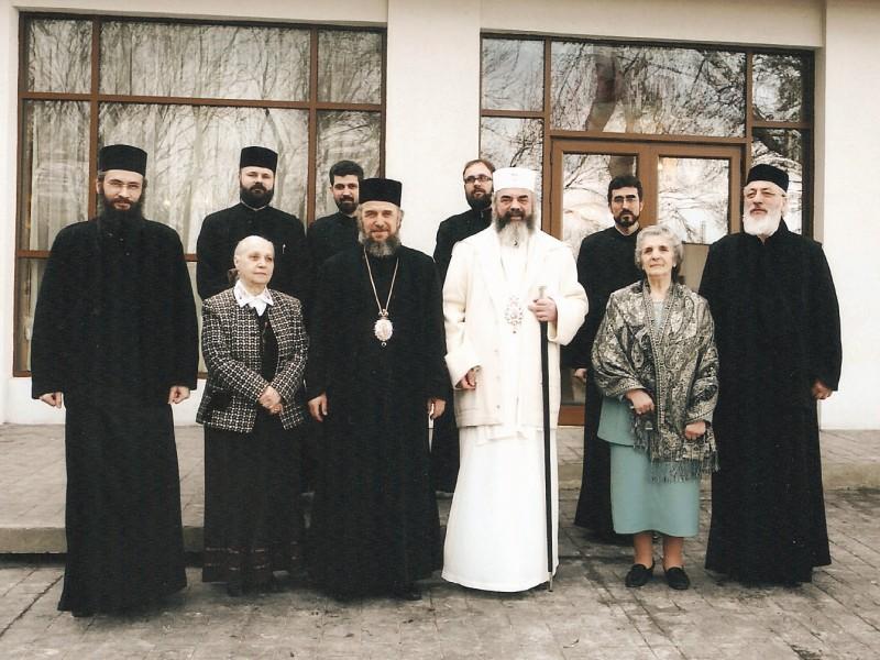 """Cu Preafericitul Părinte Patriarh Daniel, la Aşezământul social ,,Sf. Mc. Pantelimon"""" de la Lacu Sărat"""