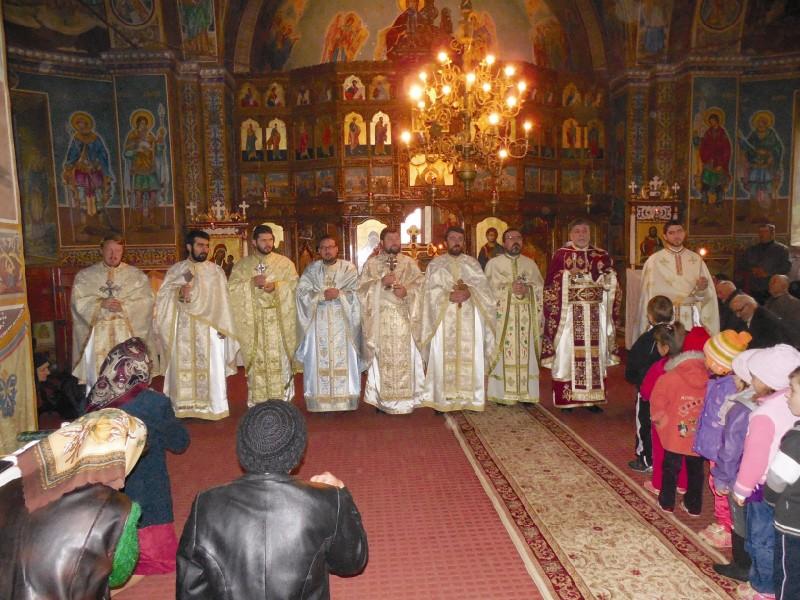 Sfânta Liturghie care a marcat începutul conferinţei lunare