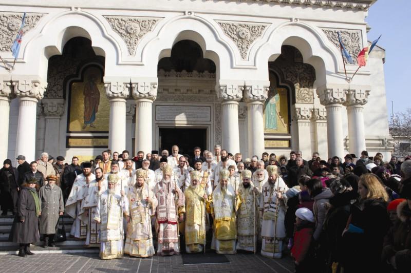 30 noiembrie 2013: Prăznuirea Sfântului Apostol Andrei, la Catedrala Arhiepiscopală din Galaţi