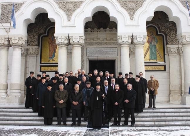 Membrii Adunării Eparhiale a Arhiepiscopiei Dunării de Jos