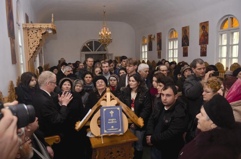 """Pelerini la hramul bisericii ,,Sfinţii 40 de Mucenici"""" din Brăila"""