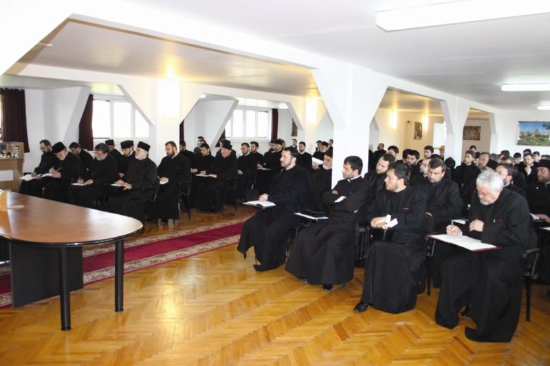Întâlnire duhovnicească a preoţilor tineri, cu chiriarhul lor