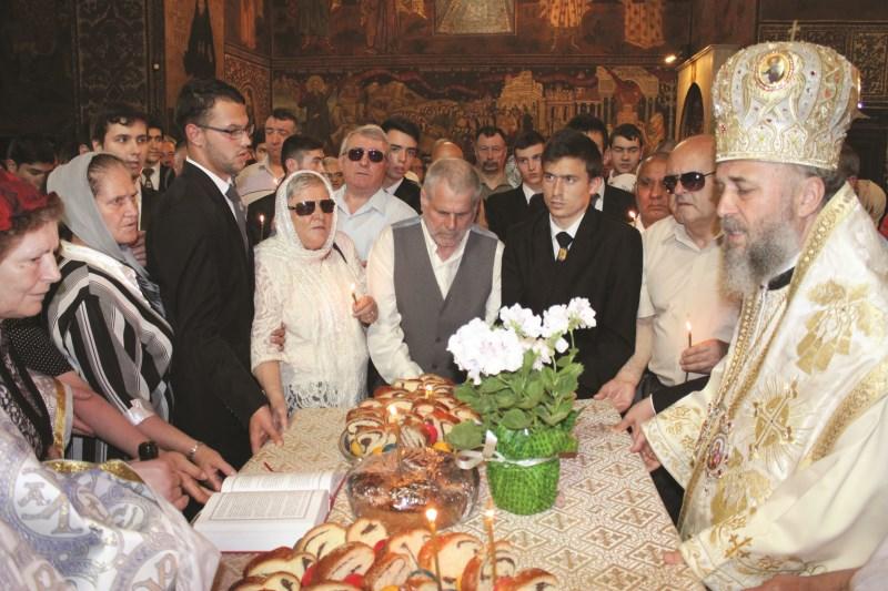 25 mai 2014: Parastas pentru Părintele Teofil Părăian, în Catedrala Arhiepiscopală