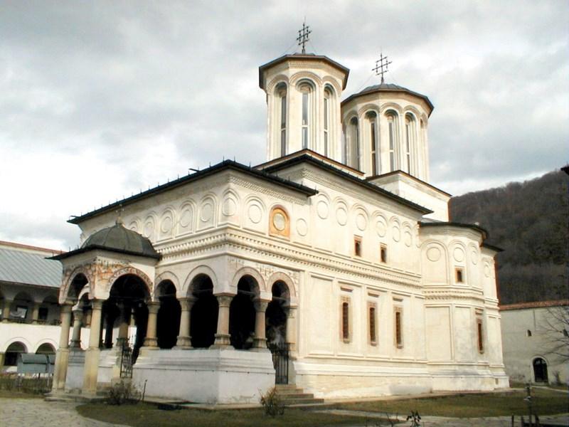 Mănăstirea Hurezi - întâia ctitorie a Sfântului Constantin Brâncoveanu