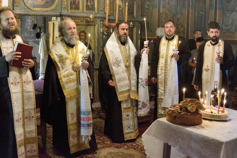 Parastas pentru Doamna Rada Crăciun în biserica din Lopătari