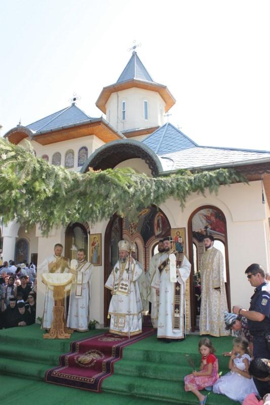 Sfânta Liturghie arhierească de hram