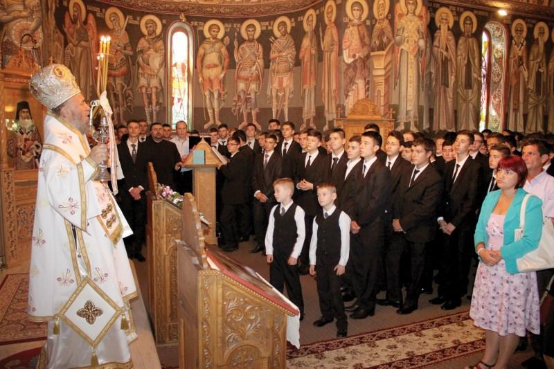 Deschiderea noului an şcolar la Seminarul Teologic din Galaţi cu Sfânta Liturghie