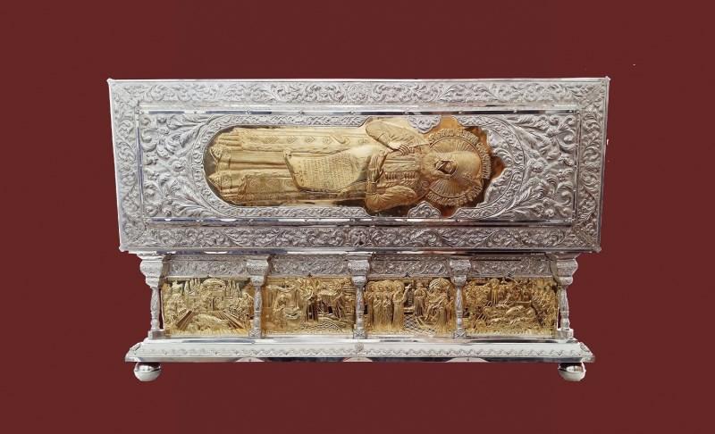 Chipul Sfântului Constantin Brâncoveanu pe racla cu sfintele sale moaşte
