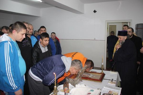 Moaştele Sf. Nicolae şi ale Sf. Constantin Brâncoveanu la Penitenciarul Brăila