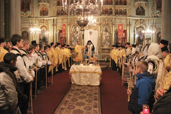 Slujba de priveghere în cinstea Sfinţilor Brâncoveni