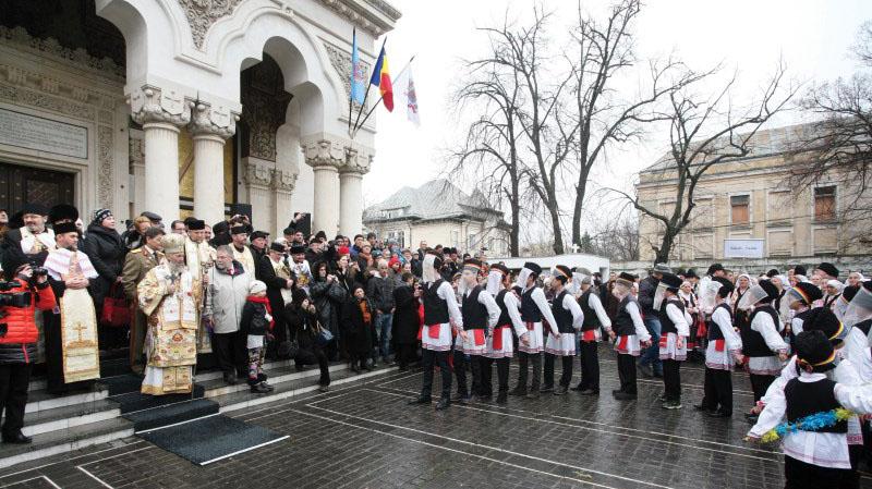Tradiţii populare de iarnă prezentate la Catedrala Arhiepiscopală din Galaţi